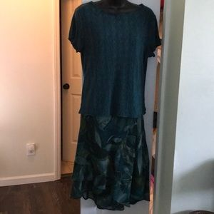 Connected Apparel Skirt & Top Outfit